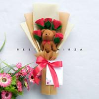 Buket Boneka Wisuda Kombinasi 5 Tangkai Bunga Mawar Flanel Bucket
