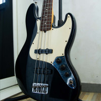 fender jazz bass 50th anniversary USA - not sire, squier, bacchus, amp