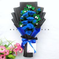 Bucket Bunga Wisuda Premium 7 Tangkai Mawar Flanel Warna Biru Buket