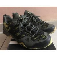 Adidas outdoor ax2 camo size 43 1/3