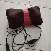 bantal pijat portable neck massage pillow, smg