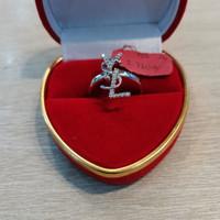 Cincin emas putih YSL 750