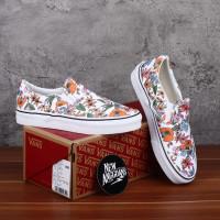 Sepatu Vans Slip On Multi Floral Tropic True White Motif Bunga