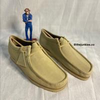 Sepatu Clarks Wallabee Maple Suede