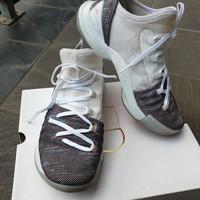 Sepatu UNDER ARMOR GS CURRY 5 - UK 5,5