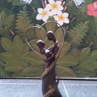 Patung love Cinta