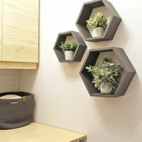 Rak dinding kayu minimalis hexagon set 3pcs hitam putih dekorasi rumah