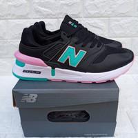 Sepatu Nike Wanita / Nike / Nike New Balance 975