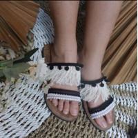 Sandal bohemian bulu