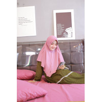 hijab serut pink