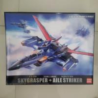 FX-550 Skygrasper + Aile Striker