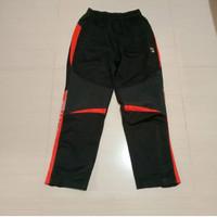 celana training FILA sport Made in China