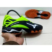 Sepatu Voli Mizuno Wave Lightning Z 2 sepatu volly volley lightning z2