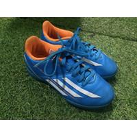 Sepatu Futsal Anak Adidas F5 Murah Bekas (Size 29)