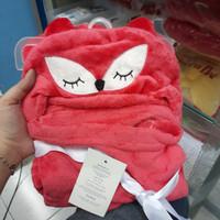selimut topi bayi carter baby just for you karakter