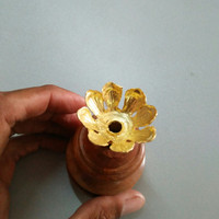 Tempat Dupa Style bunga Bali gold
