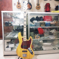 BASS ELEKTRIK FENDER SPECIAL EDITION 70'S NATURAL