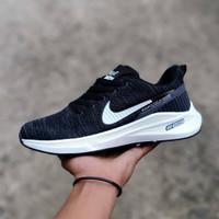 sepatu nike running black white import ori vietnam sneakers pria