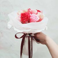 Buket bunga valentine / Kado anniversary/ Bunga wisuda 9S White