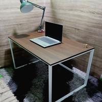 Meja kerja/belajar minimalis