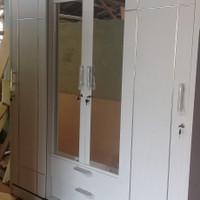 lemari pakaian sliding 4 pintu
