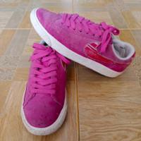 Nike/Sneakers wanita import/Size 36.5/Sepatu Second import