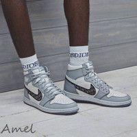 SEPATU NIKE AIR JORDAN 1 HIGH X DIOR WOLF GREY. UK 39-44.PREMIUM