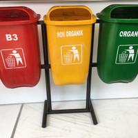 Tempat Sampah Fiberglas Organik Non Organik B3 ukuran 50 liter x 3