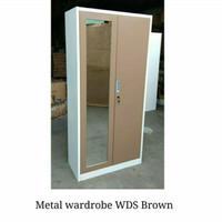 lemari pakaian besi 2 pintu wds - Cokelat
