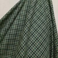 Kain Kotak Semi Wool ( Hijau Daun )