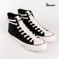 SEPATU WARRIOR POSEIDON BLACK WHITE HIGH - Hitam, 37