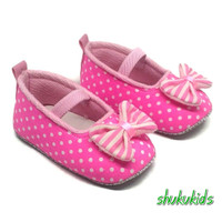 Sepatu Bayi Prewalker perempuan Usia 3 6 12 18 Bulan polkadot pink