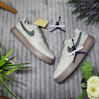 SEPATU NIKE AIR FORCE 1 LOW REIGNING CHAMP