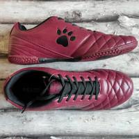Sepatu Futsal Kelme Power Grip Merah Maroon
