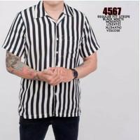 Kemeja Stripe [4 Warna]-Kemeja Garis Salur Stripe Lengan Pendek Pria - Hitam, M