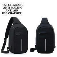 TAS SELEMPANG PRIA Anti Maling Anti Air With USB Charger