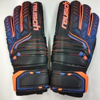 sarung tangan kiper goalkeeper glove reusch 7083 atrakt tulang