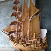 Miniatyr kapal laut pinisi dewa ruci kayu jati mebel jepara