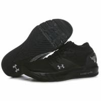 Sepatu Under Armour NOVA Projects 2 All Black Sneakers Pria