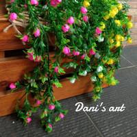 set tanaman juntai bunga/ tanaman juntai palsu/ bunga plastik