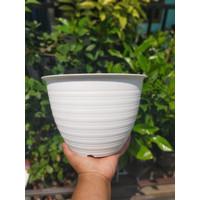 Ori BJP Pot Tawon 24 cm PUTIH Motif Pot 25 Plastik 24cm Vas Pot Bunga