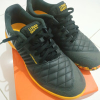Sepatu Futsal Nike Lunar Gato II IC DK Grey White Orange Black 580456-