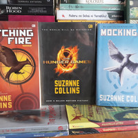 Buku Novel Suzanne Collins 3 buku Hunger Games
