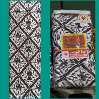 kain batik jarik sidomukti kain seserahan latar putih motif 2