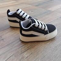 Sepatu prewalker bayi like vans hitam