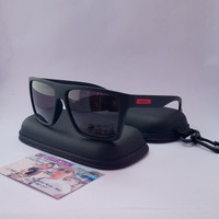 Kacamata sunglasses hitam Quiksilver Polarized