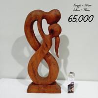patung kayu kiss 2 dekorasi ukir hiasan home decor homedecor