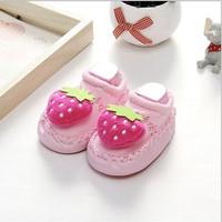 prewalker kaos kaki bayi bunyi sepatu anak import FRUITY MOCASSINS - pink stroberi, 11