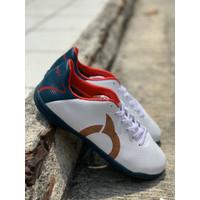 Sepatu futsal Ortuseight original Tempest in white navy new 2020