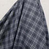 Kotak Semi Wool Abu-Abu Garis.Hitam/Putih